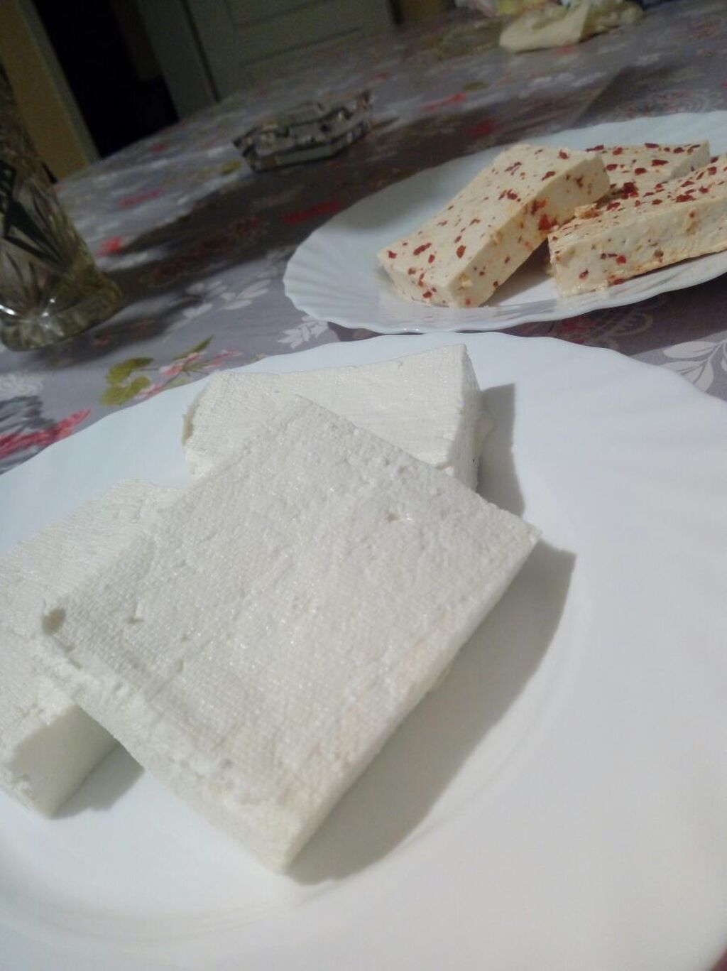 Na prodaju koziji domaci sir