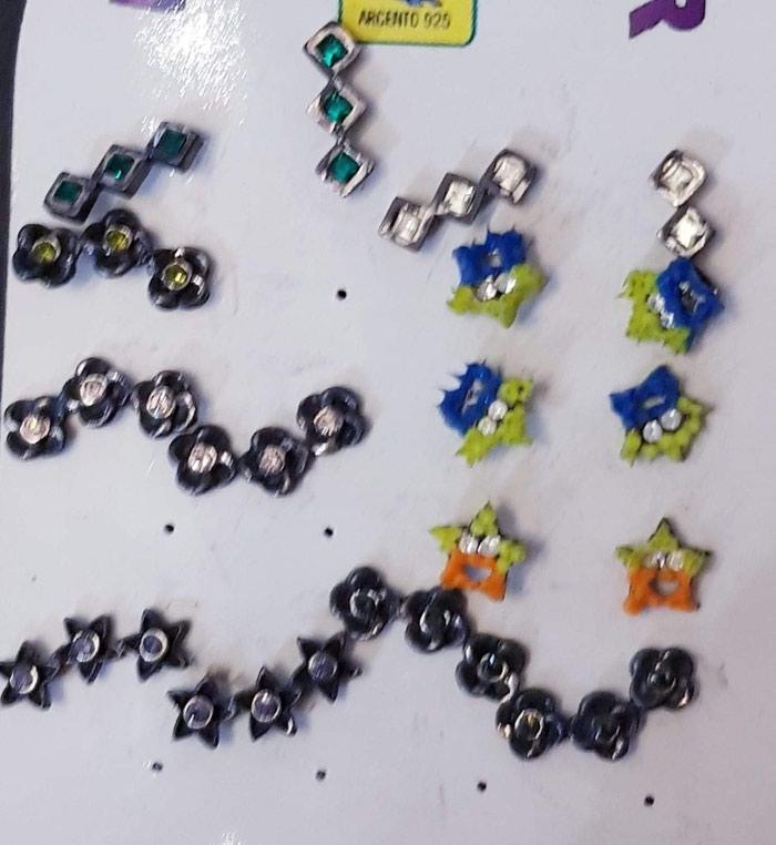 Σκουλαρίκια για τα αυτιά 2€ το ζευγάρι όλα μαζί 7€ σε Πειραιάς