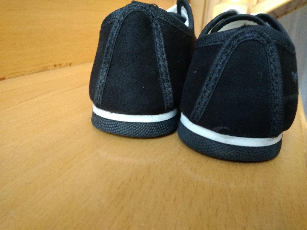 Женские спортивные туфли 37р! Замшевые, в идеальном состоянии!