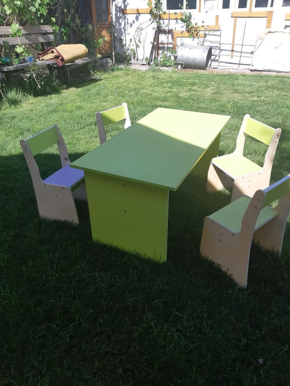 Детский стол и 4 стула НОВЫЕ!!!! Длинна 1200 Ширина 600 Высота 500
