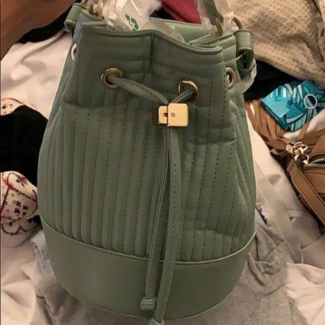 Oλοκαινουργια τσαντα ZARA bucket bag, με υψος 18 cm. Photo 5