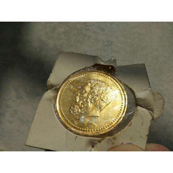 Επιχρυσο νομισμα των 50 δραχμων. Photo 1