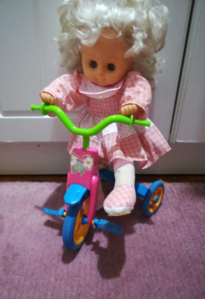 Prelepa lutka na. biciklu očuvana. Photo 0