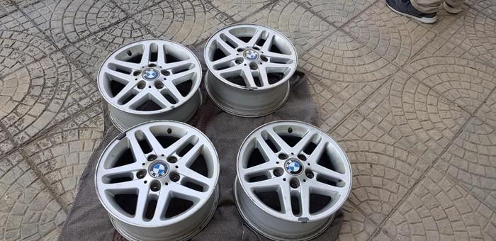 """Ζάντες 15"""" εργοστασιακές BMW τετράδα,  σε πολύ καλή κατάσταση, δεκτός κάθε έλεγχος"""