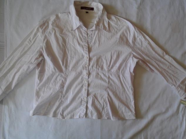Košulje i bluze - Beograd: Svetlo roze ili belo/roze košuljica Katestorm, odlična kao poslovna koja ima u sastavu 96% pamukai 4% elastina