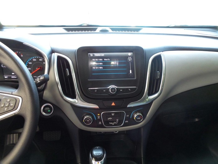 Chevrolet Equinox 2018. Photo 3