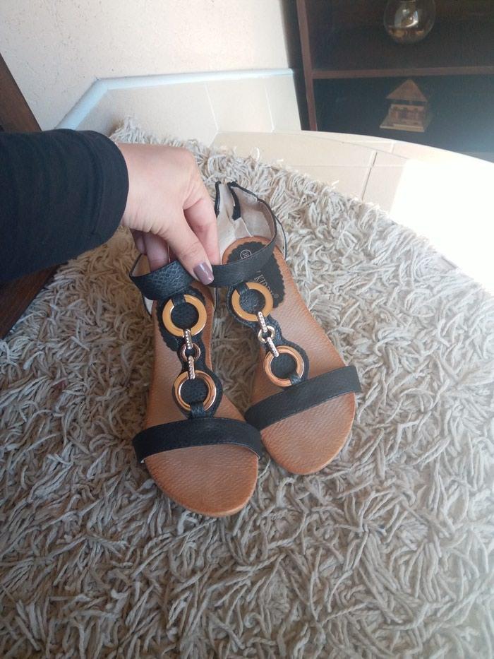 Crne sandale 36 nove. Photo 0
