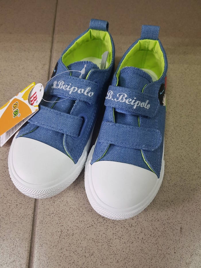 a600381e Продаю джинсовые кеды качество люкс Размер: 32 31 28 24 Цена 850 сом в  Бишкек
