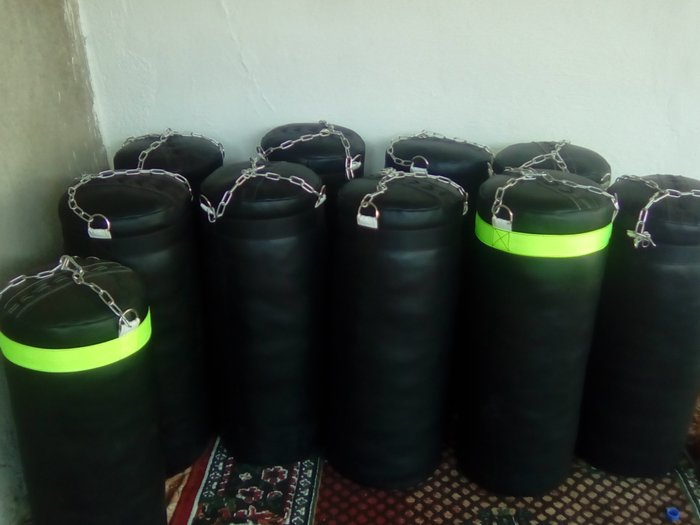 Груша высокого качества вес 50 килограмм размер 1 метр 5 сантиметров в Душанбе