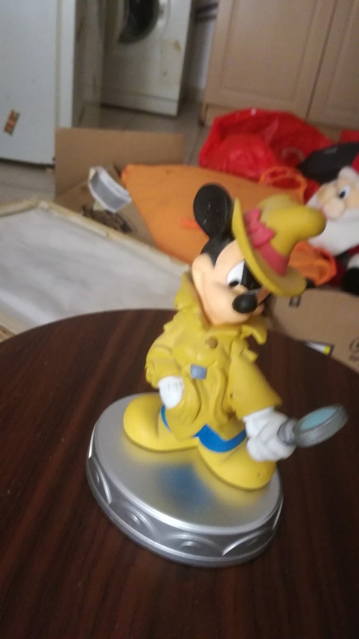 Mickey Mouse detective outfit statuette from Deagostini's series σε Αγία Βαρβάρα