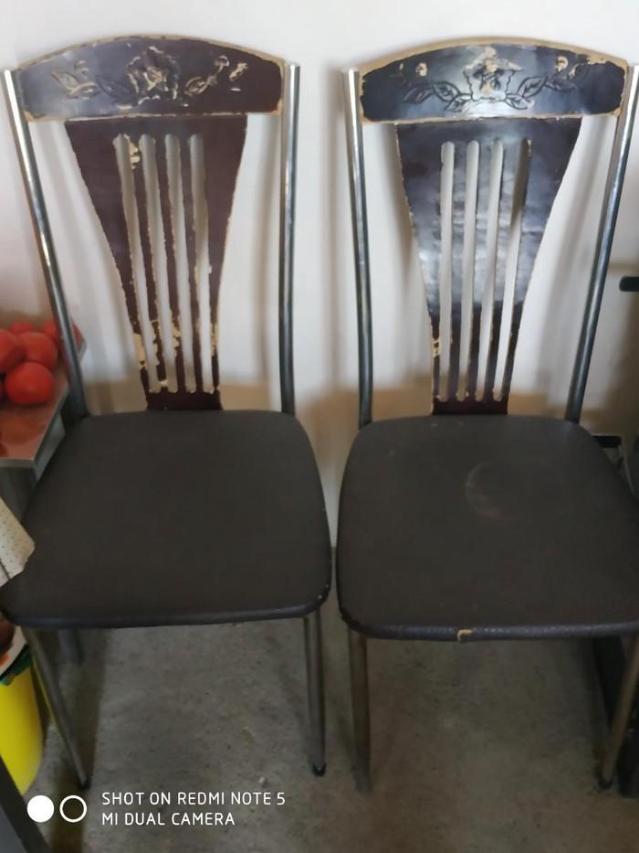 Продаётся стулья 2 штук.целые. Photo 0