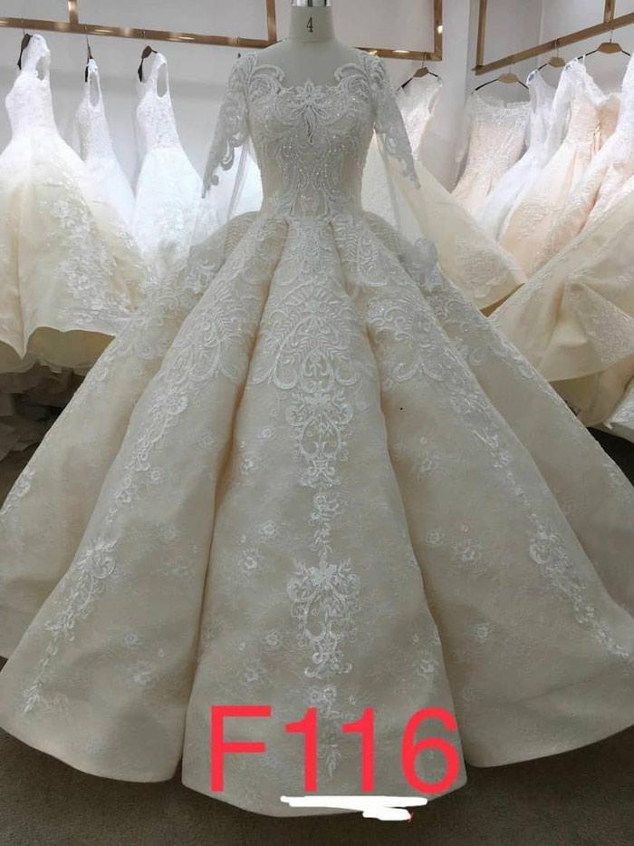 b6145b0f9e73711 Прокат продажа оптом в розницу платья, цена: 5000 KGS в категории ...