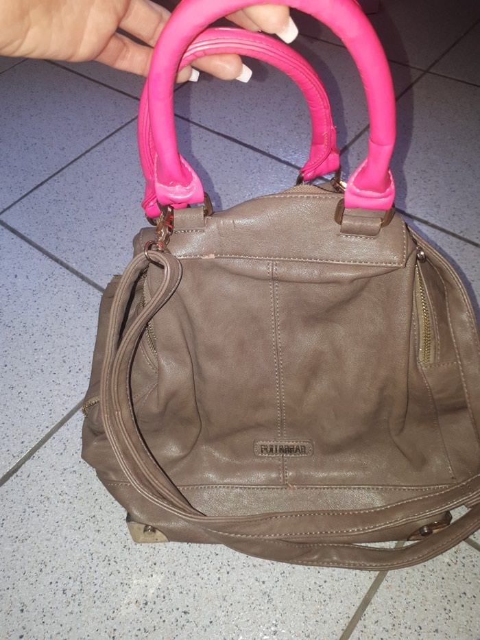 2921f13fc8f3 Tsanta pull and bear for 15 EUR in Αθήνα  Γυναικείος ρουχισμός on ...