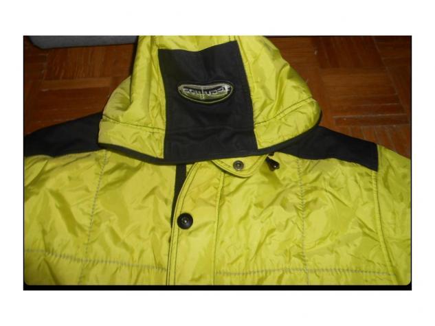 Dimenzija ove jakne je sledeca