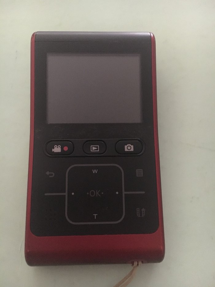 Φωτογραφικη μηχανη samsung 10.0 mp HD  Σε αριστη κατασταση κοκκινο χρω. Photo 1