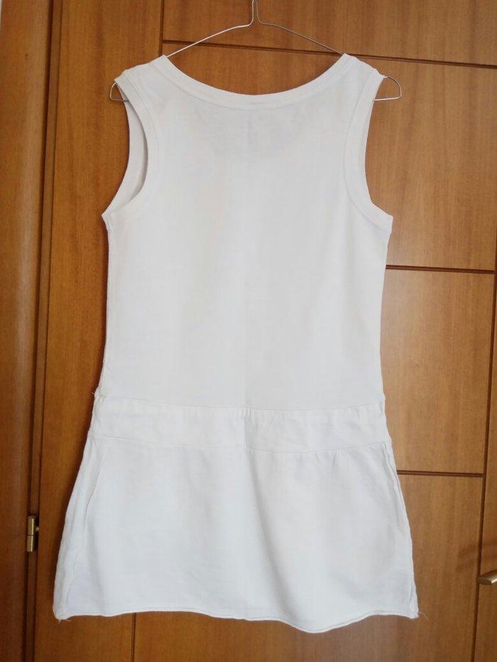 Ολοκαίνουργιο άσπρο σπορ φόρεμα. Photo 1