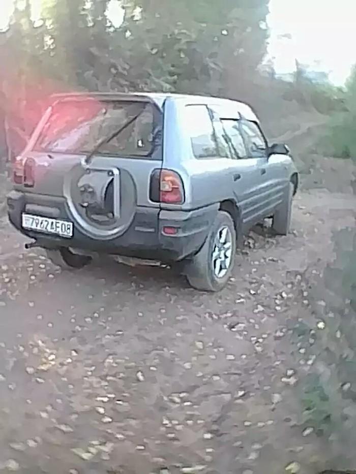 Toyota 1998. Photo 1
