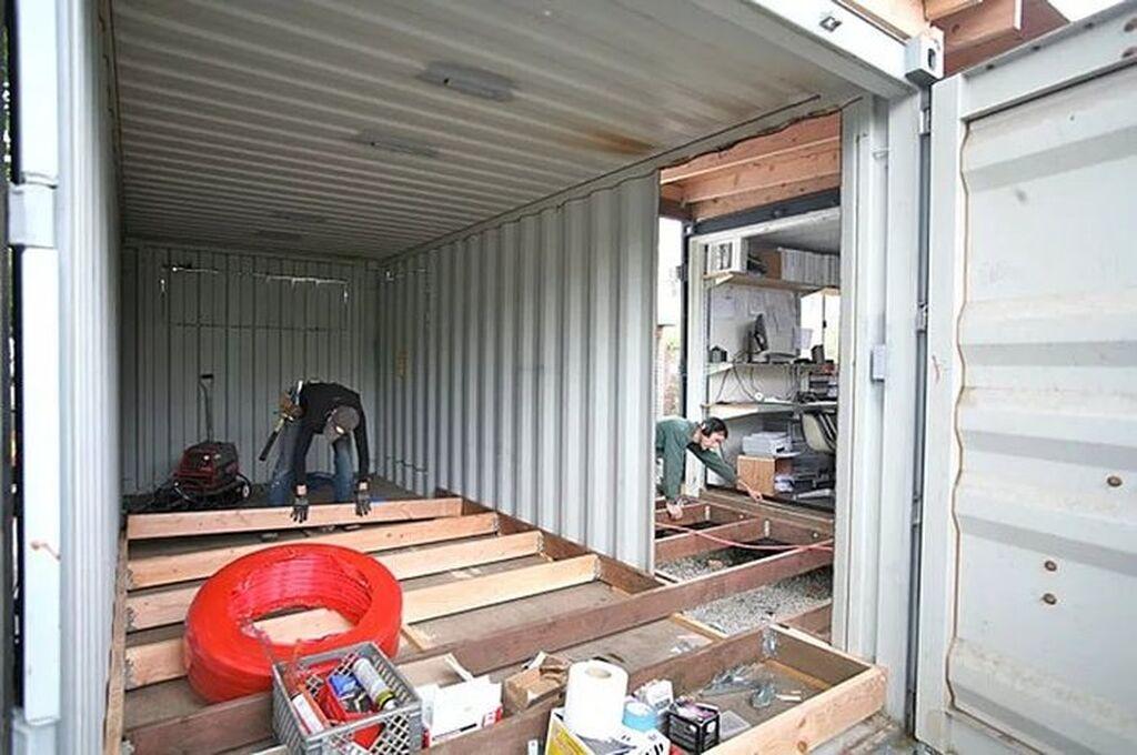 Оборудую контейнер под магазин-потолки, полы, и стены - делаю современный удобный магазин