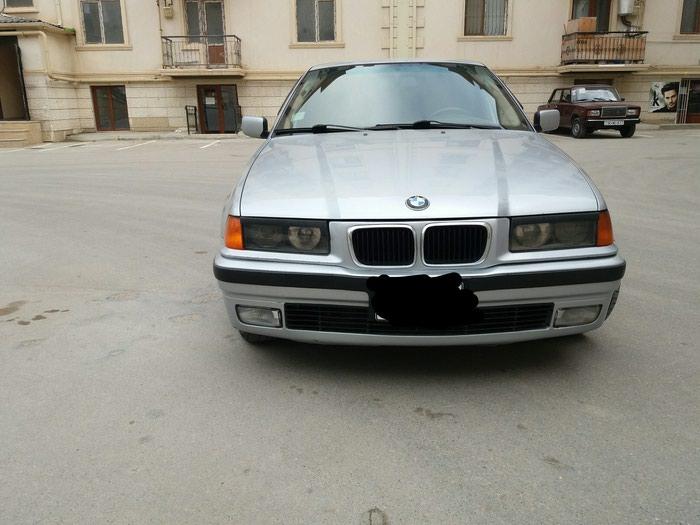 BMW 318 1997. Photo 0