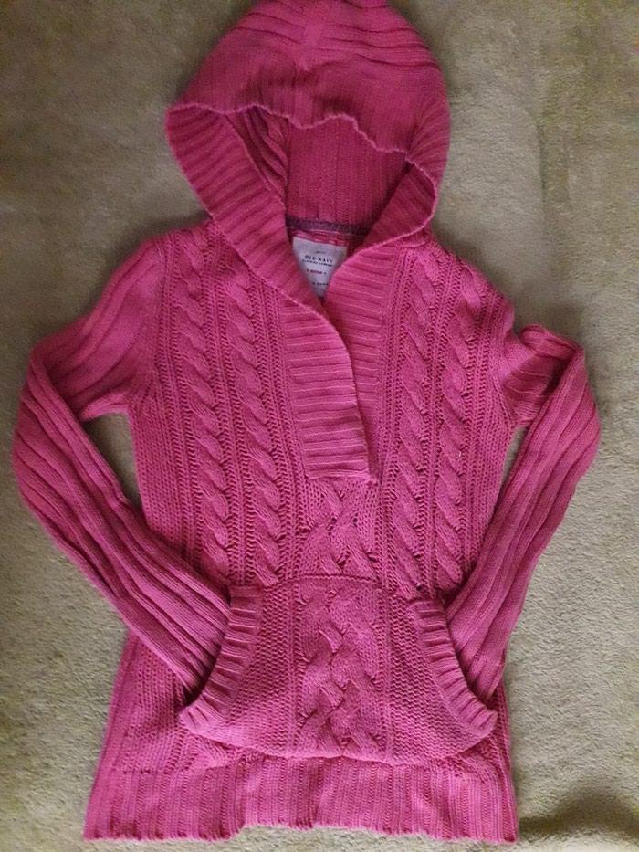 Džemperić sa kapuljačom, lepo očuvan, veličina 10-11