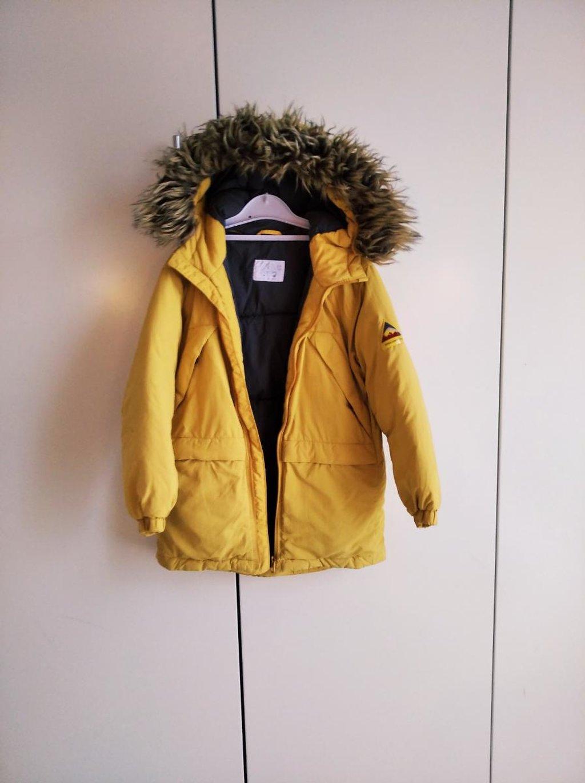 Zara μπουφάν ζεστό για παιδάκι 6-6μιση ετών άριστη κατασταση 12 ευρω