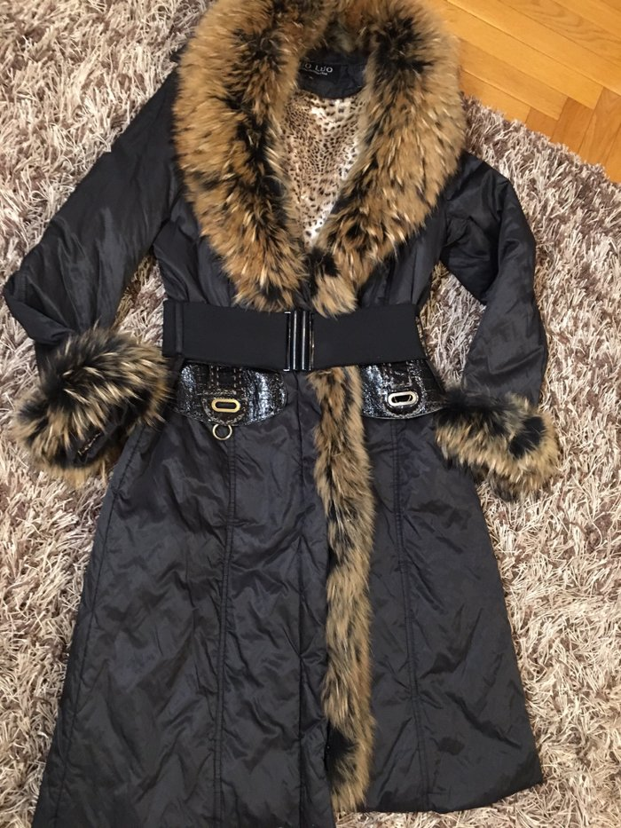 Pravo krzno, nepromočiva dugačka jakna, punjena paperjem, l/xl veličin - Novi Sad