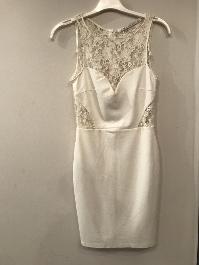 ZARA, λευκο φορεμα με δαντελα, σαν καινουριο, μεγεθος Μ .  Τιμη - 20€ . Photo 3