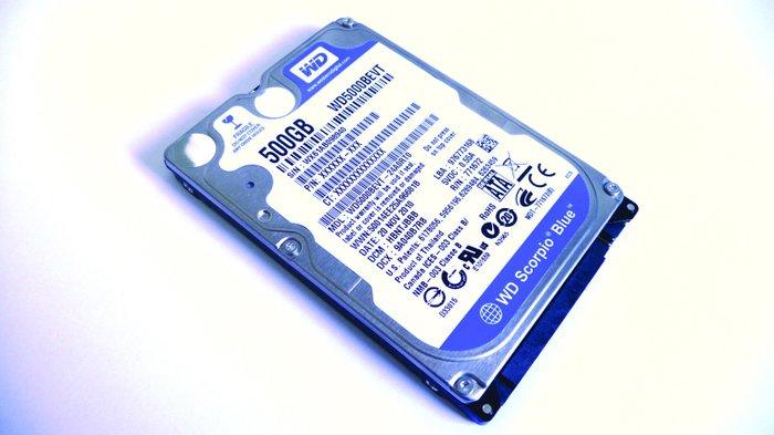 Bakı şəhərində 60gb hard disk + 5 oyun... 25azn... 80gb hard disk + 9 oyun 30azn... 3