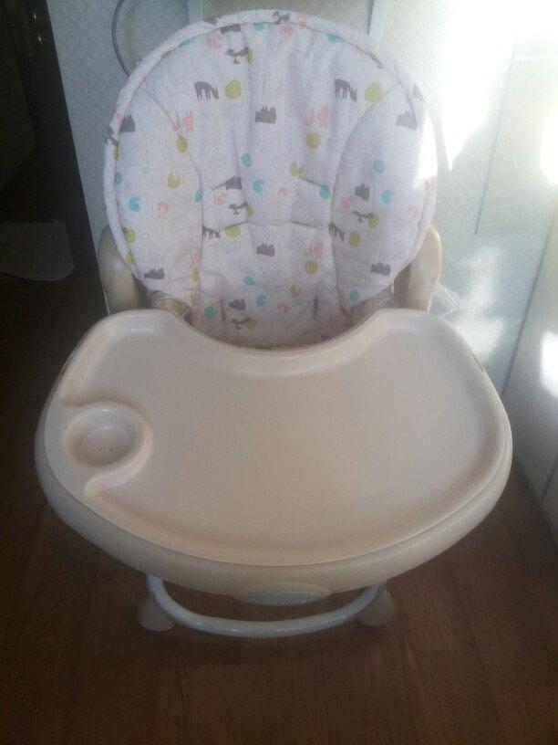 Продаётся фирменный стульчик для кормления от 6 месяцев до 3 лет