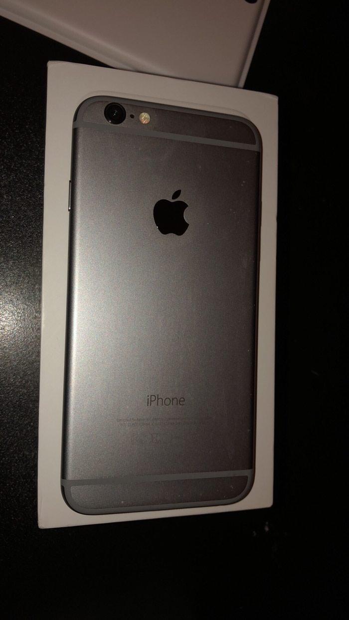 Apple Iphone. Photo 2
