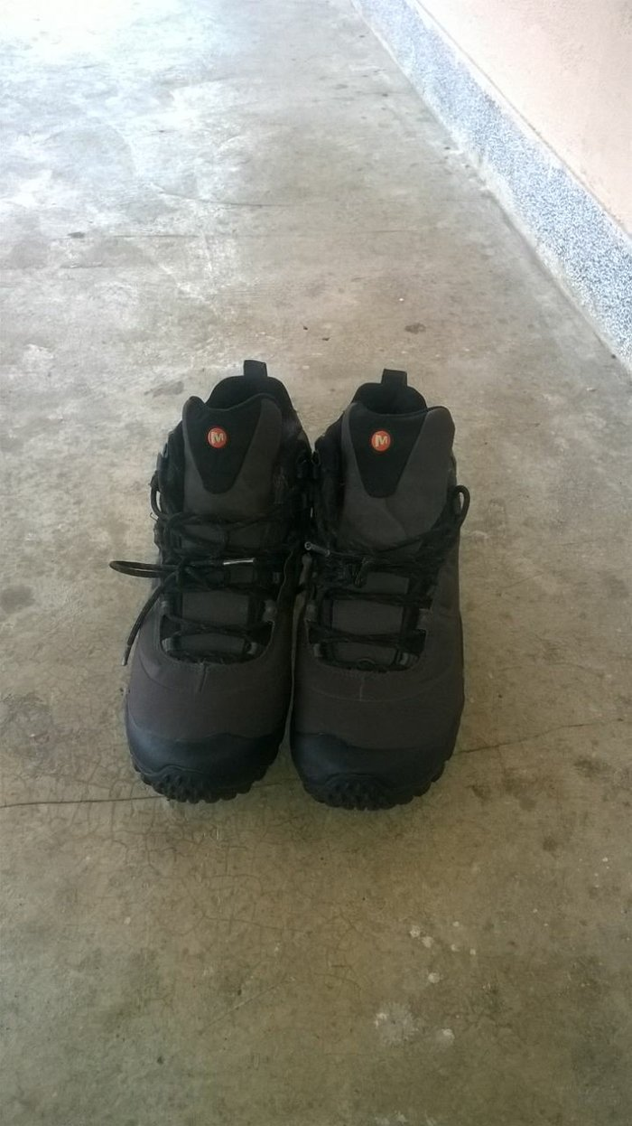 Merilove cipele,malo nosene,bez ostecenja br 41...4000din, za sve info - Kraljevo
