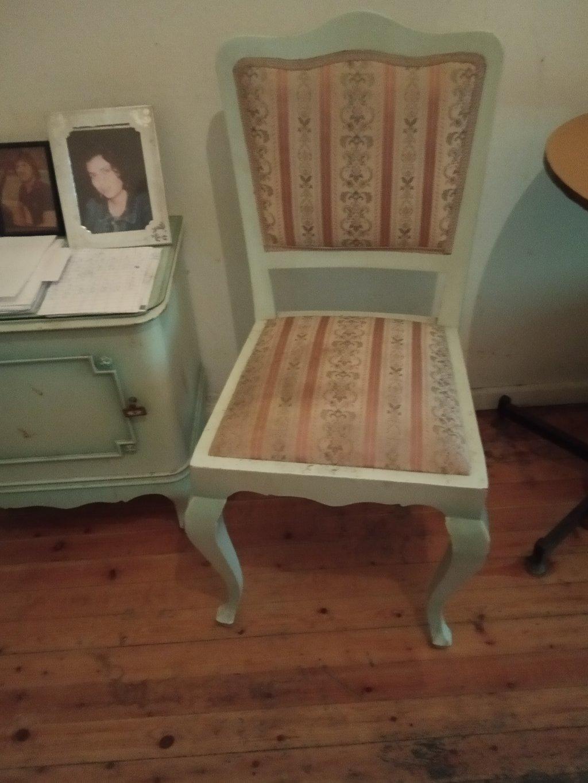 2 Καρέκλες αντίκες. Διαθέτουμε μεταφορά