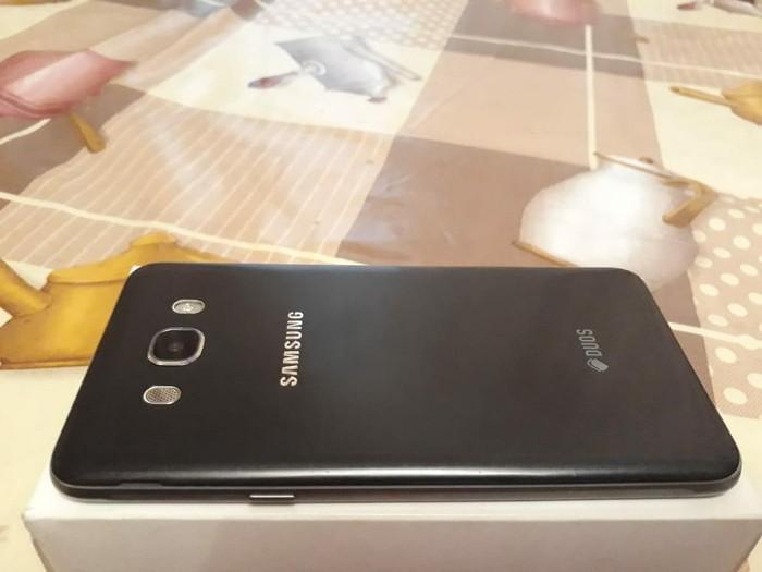 İşlənmiş Samsung Galaxy J7 2016 16 GB qara. Photo 0