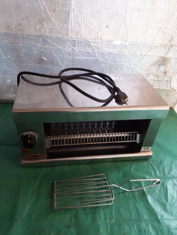 Novi italij.aparat sa termostatom za tople sendviče