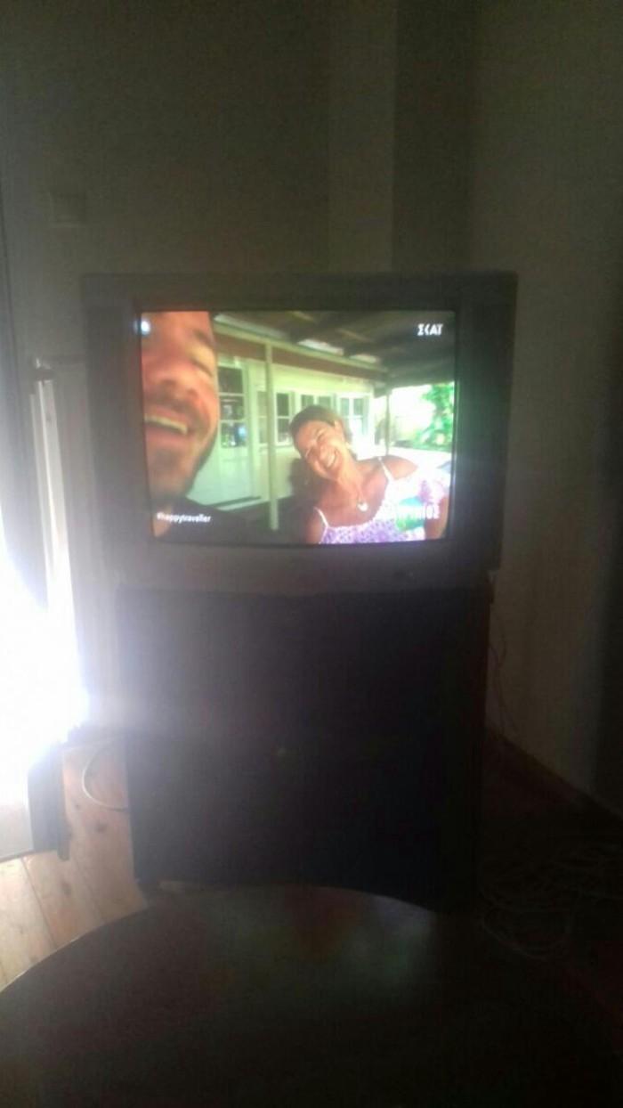 Τηλεοραση μαζι με το έπιπλο με περιστρεφόμενη βαση  40€ Θεσσαλονίκη 9. Photo 1