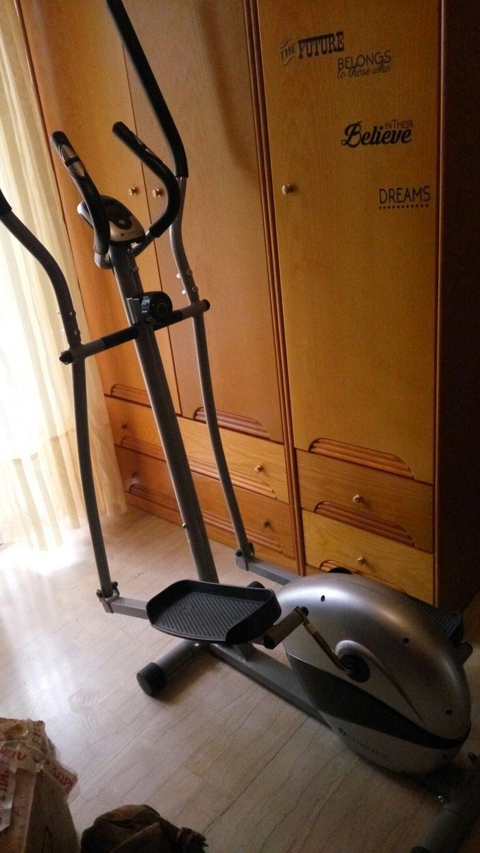 Ελλειπτικό μηχάνημα γυμναστικής σε πολύ καλή κατάσταση. Photo 0