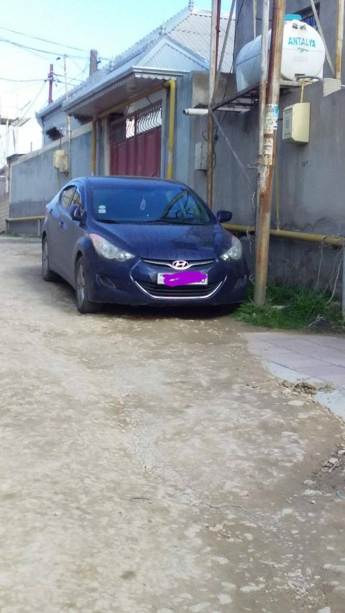 Hyundai Elantra 2011. Photo 2