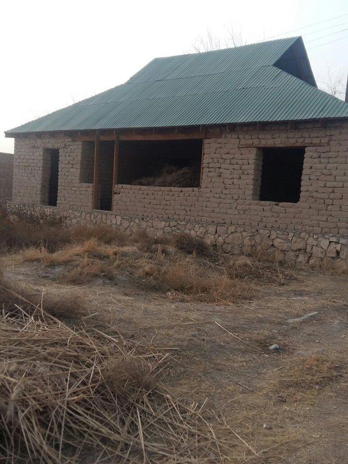 Продается дом недостройный територии дом 10соток документ100% в район  в Душанбе
