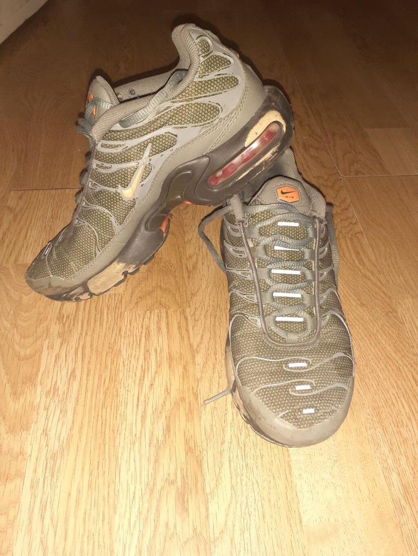 Nike tn original broj 39 duzina gazista 24,5cm ostecene sve se vidi na slikama