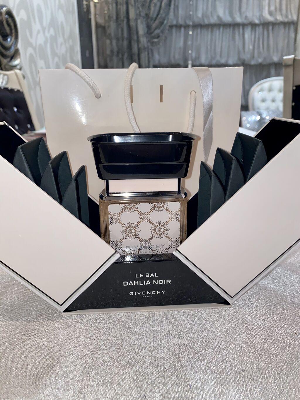 Givenchy Dahliya Noir! 75 ml, limited edition!! 120 azn, satishda 300 di