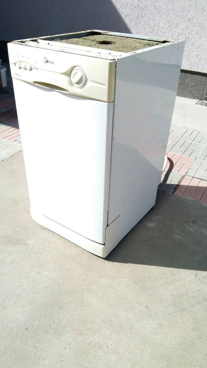 Mašina za pranje sudova. MIDEA 45cm. Zbog promene kuhinje kupili smo v - Ruma