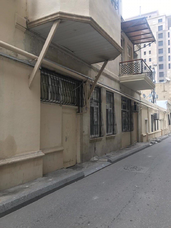 Yasamal rayonu, Mirzə Mehdiyev küçəsində yerləşən 2 mərtəbəli binanin 1-ci mərtəbəsində obyekt icarəyə verilir