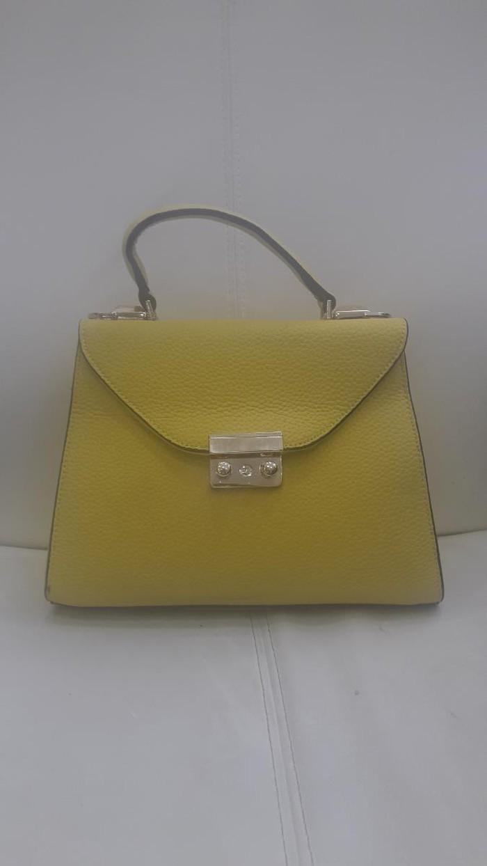 Κίτρινη τσάντα καινούρια 15€ 8