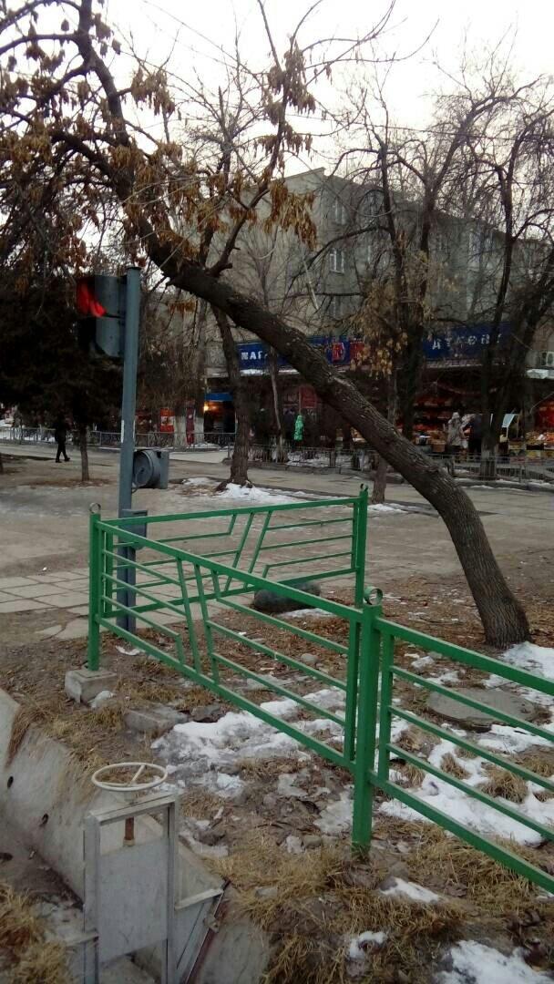 Продается квартира: 3 комнаты, 61 кв. м., Бишкек. Photo 2
