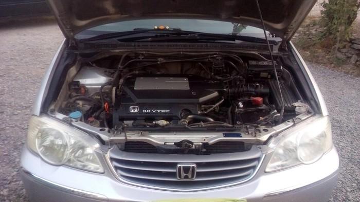 Honda Odyssey 2000. Photo 1