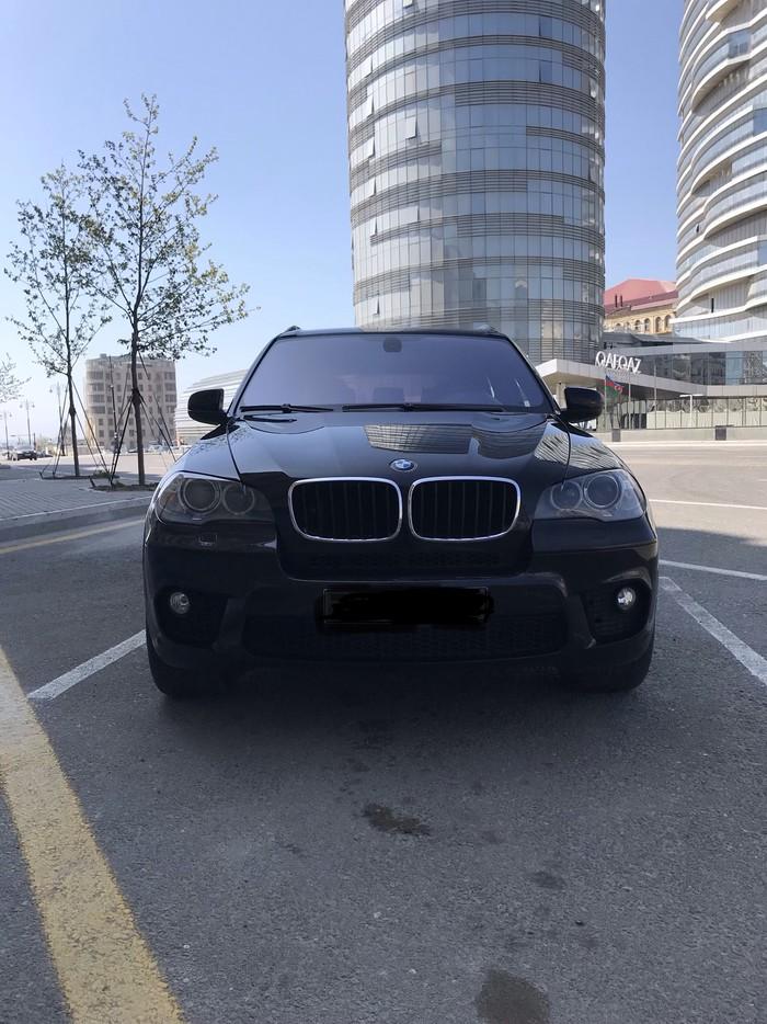 BMW X5 2011. Photo 1