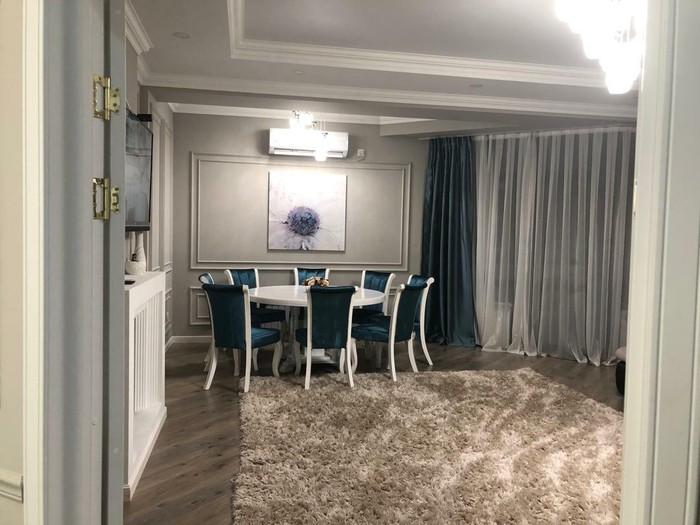 Продается квартира: 3 комнаты, 147 кв. м., Бишкек. Photo 2