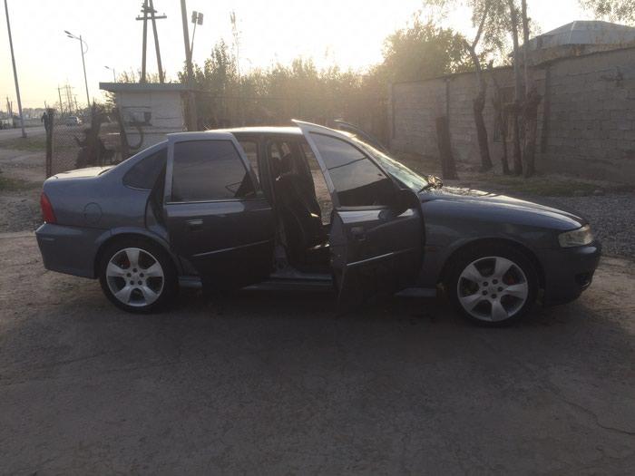 Opel Vectra 2002. Photo 1