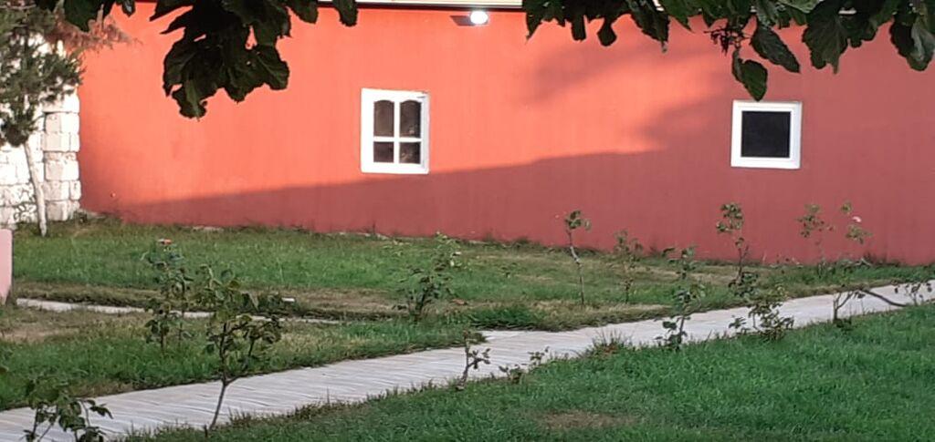 Kirayə Evlər vasitəçidən Uzunmüddətli: 95 kv. m, 3 otaqlı
