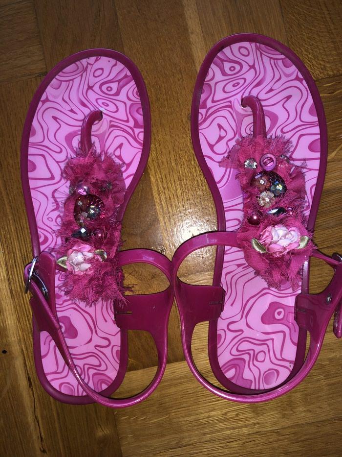 Kao nove sandale. Preudobne, bez ogrebotine i ostecenja. Broj 40. . Photo 1